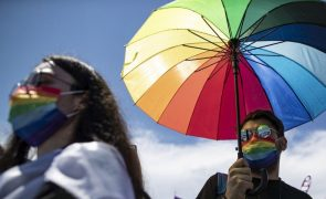 Munique critica UEFA e vai iluminar edifícios com as cores do arco-íris