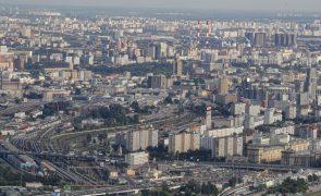 Covid-19: Moscovo cria passe sanitário obrigatório para frequentar restaurantes