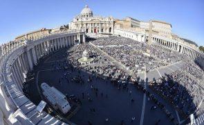 Vaticano opõe-se a projeto-lei italiano que ilegaliza discriminações homofóbicas