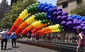 Treze países da UE instam Comissão a fazer Hungria respeitar direitos LGBT