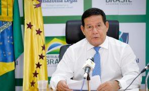 Covid-19: Vice de Jair Bolsonaro admite que Governo falhou