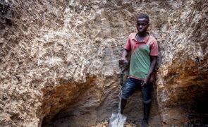 Moçambique quer depender menos de exportações de matérias-primas