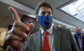 ONG e oposição comemoram exoneração de ministro do Meio Ambiente do Brasil