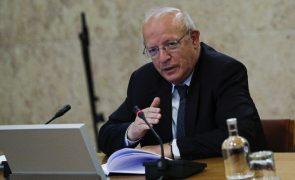 UE/Presidência: MNE viaja hoje para a Eslovénia para preparar