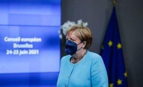 UE/cimeira: Líderes aceitam dialogar com Vladimir Putin, mas afastam possibilidade de reunião