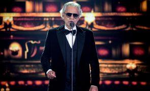 Tenor italiano Andrea Bocelli dá o primeiro de dois concertos em Coimbra