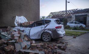 Sobe para três número de mortos após passagem de tornado na República Checa