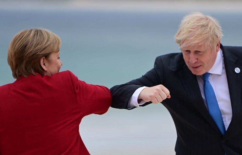 Boris Johnson recebe Angela Merkel dia 02 de julho