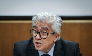 Covid-19: Secretário de Estado da Saúde admite que vacinação