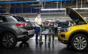 Autoeuropa anuncia mais 2 dias de paragem de produção devido à falta de semicondutores