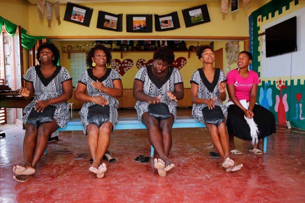 Tradição das batucadeiras do Tarrafal mantida pela alma da Associação Delta Cultura