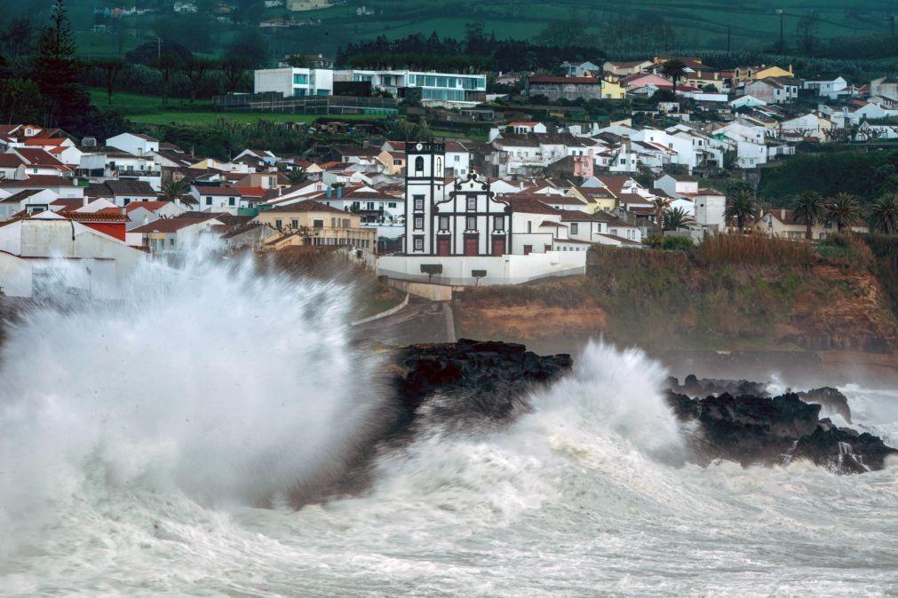 Prolongado aviso amarelo para grupos oriental e central dos Açores