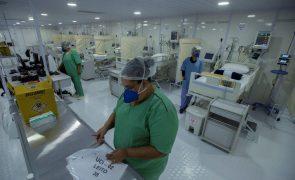 Covid-19: Brasil regista 1.593 mortes e 64.134 novos contágios nas últimas 24 horas