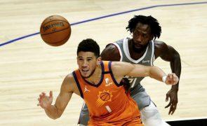 Phoenix Suns vencem em LA e estão a um triunfo da final da NBA