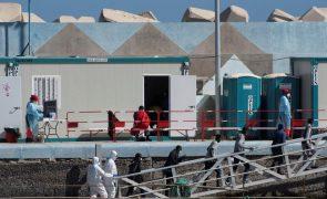 Migrações: Quase 300 migrantes em sete embarcações tentaram chegar às Canárias