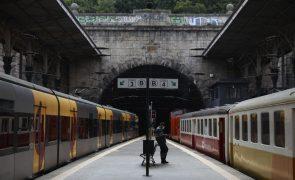 Greve dos trabalhadores da IP levou à supressão de 72 comboios até às 08:00