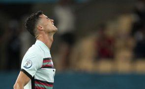 Euro2020: Cristiano Ronaldo lamenta eliminação, mas manifesta-se