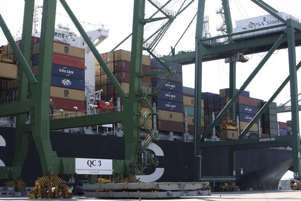 Exportações aumentam 15% e importações crescem 22% em maio