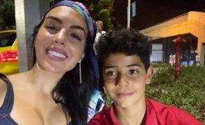 Cristianinho faz rap e Georgina encanta com dotes vocais [vídeos]