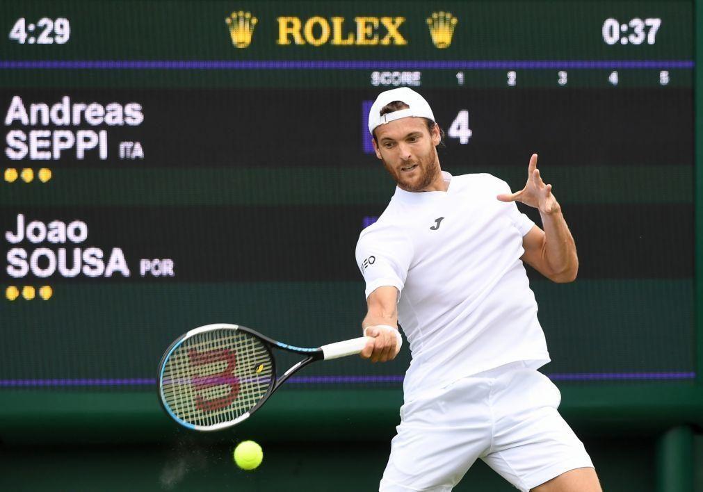 João Sousa eliminado na primeira ronda de Wimbledon
