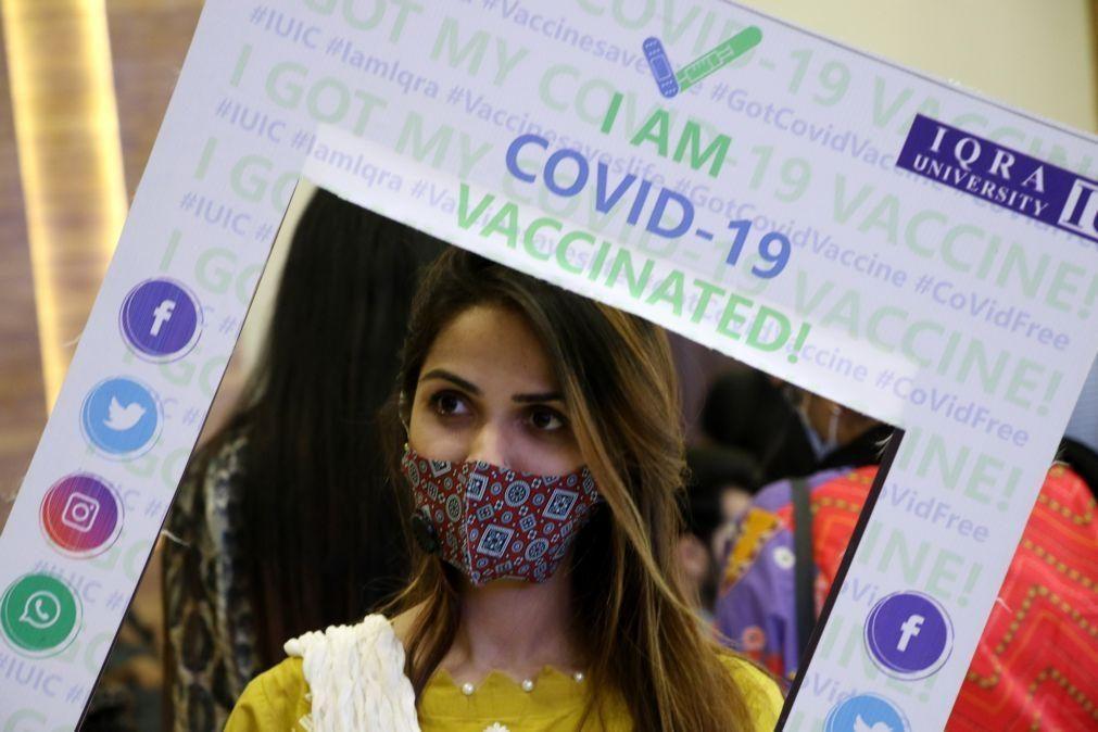 Covid-19: Mais de três mil milhões de vacinadas administradas em todo o mundo