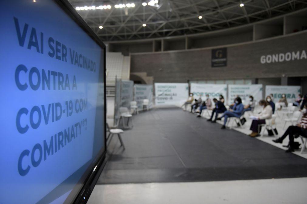 Covid-19: Centros de vacinação com presença de forças de segurança e voluntários