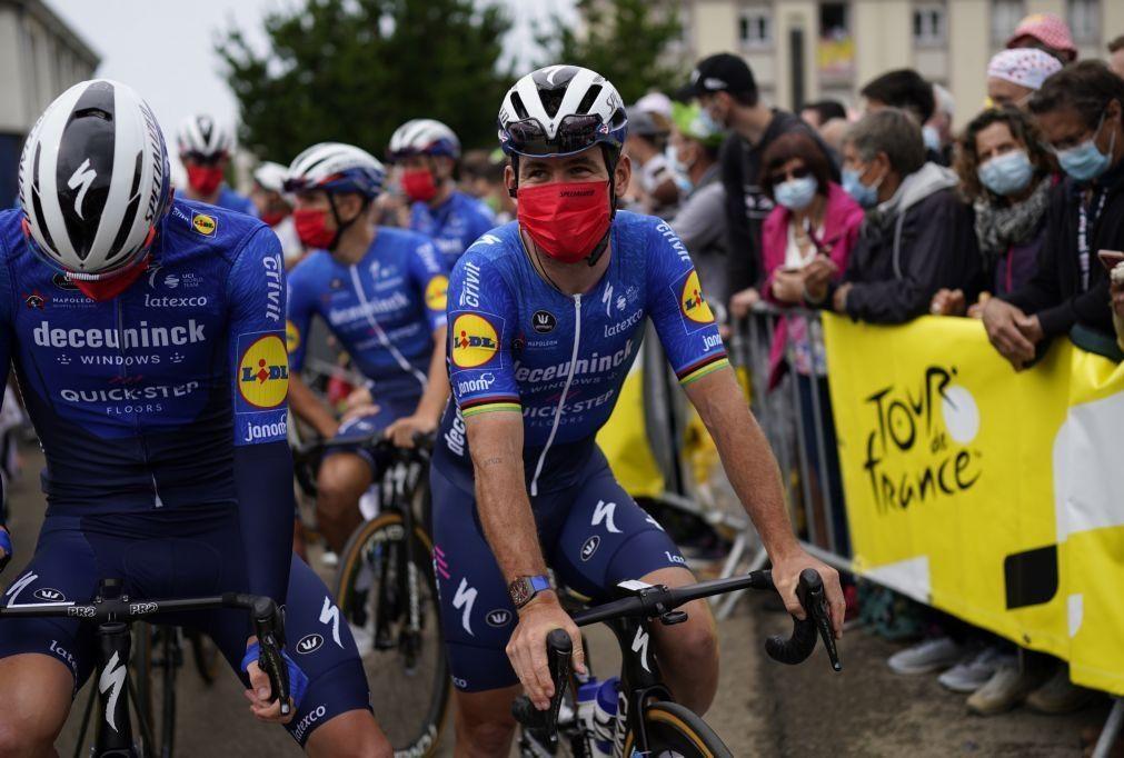 Tour: Cavendish impõe-se em Fougères e soma 31.º triunfo na prova
