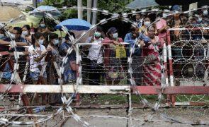 Mais de 2.000 detidos, incluindo presos políticos, vão ser hoje libertados em Myanmar