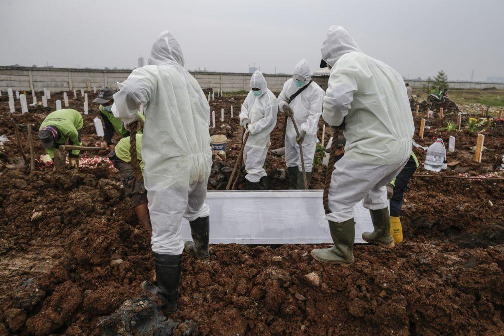Covid-19: Pandemia matou mais de 3,94 milhões de pessoas no mundo
