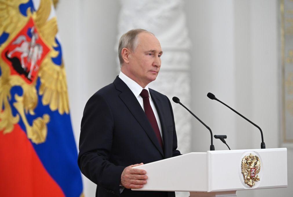 Televisão russa diz que ciberataques perturbaram emissão de Putin