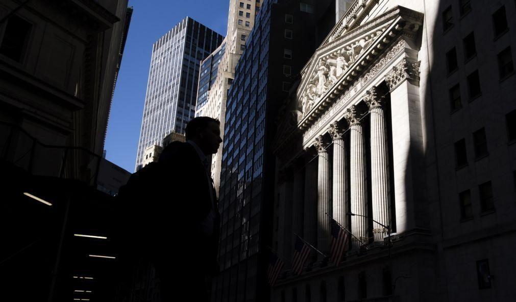 Bolsas norte-americanas encerram mistas