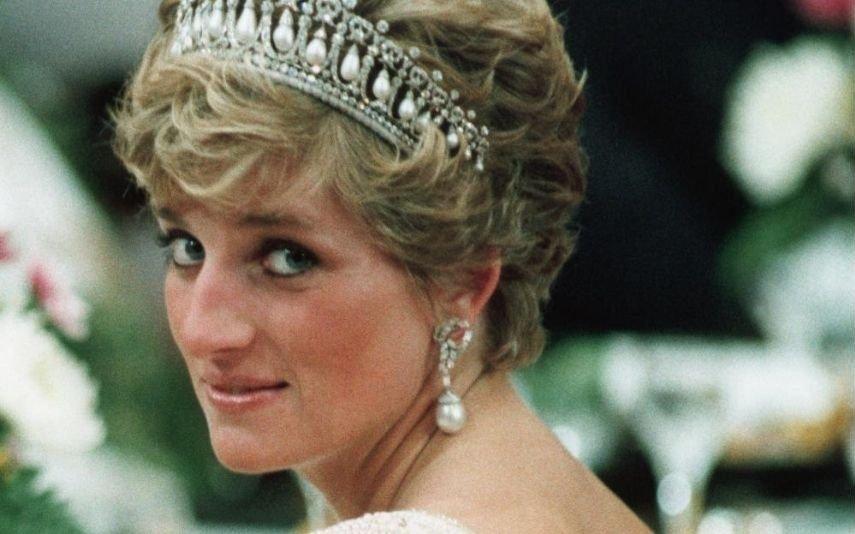 Princesa Diana Do vibrador da sorte ao corte de cabelo - Os 10 segredos de lady Di