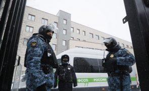 Polícia de Moscovo fez rusga à sede de campanha eleitoral de aliado de Navalny