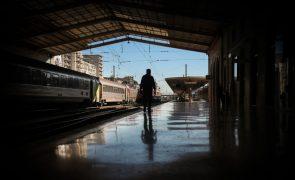 Greve afeta comboios de longo curso e regionais, urbanos circulam