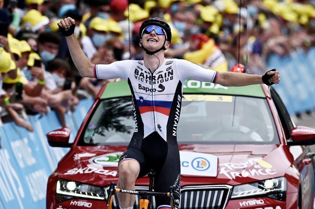 Tour: Matej Mohoric vence sétima etapa vindo de fuga integrada pelo amarela Van der Poel