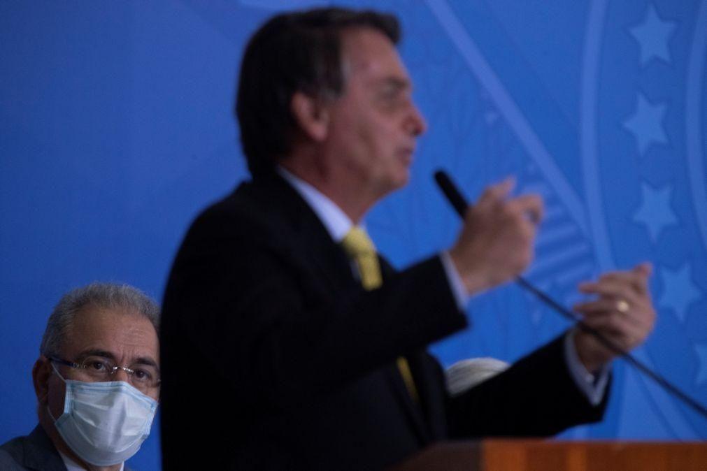 Bolsonaro critica governador brasileiro que assumiu ser homossexual