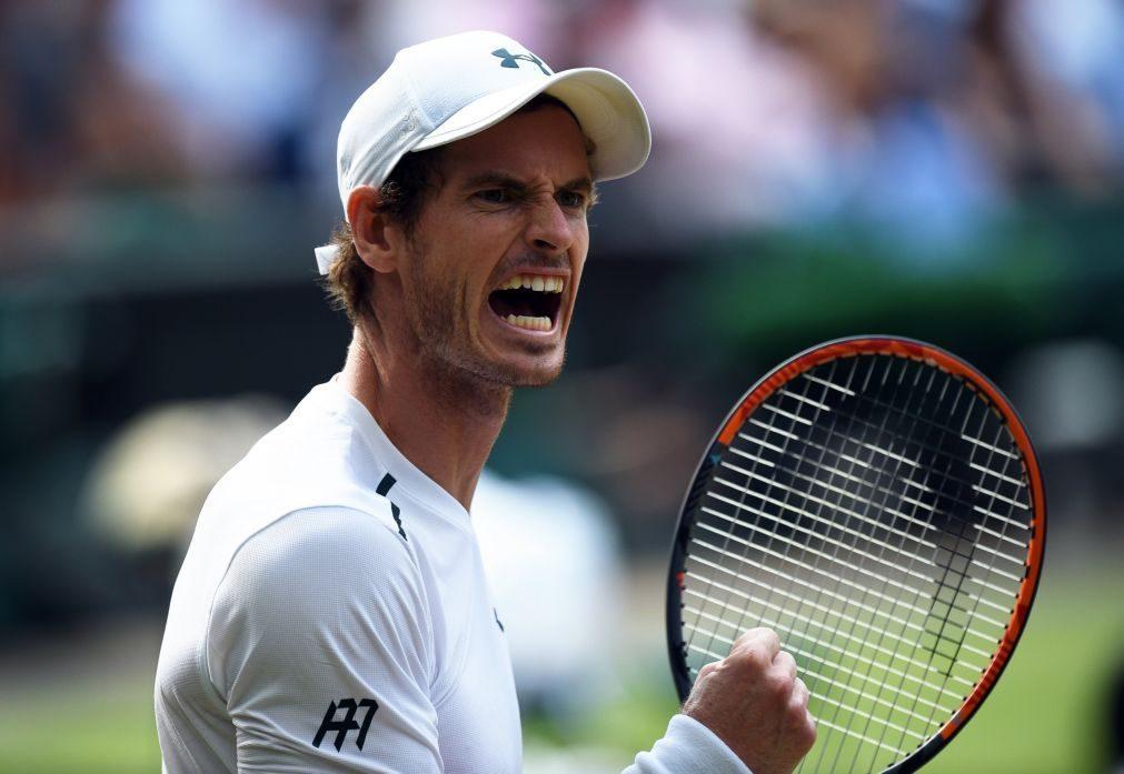 Andy Murray nos quartos de final de Wimbledon pelo 10.º ano consecutivo