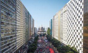Covid-19: Milhares de brasileiros manifestaram-se em todo o país contra Bolsonaro