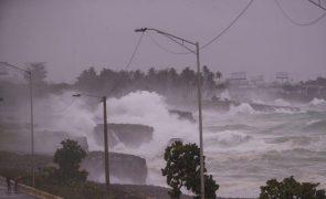 Pelo menos três mortos na passagem do furacão Elsa na República Dominicana e em Santa Lúcia