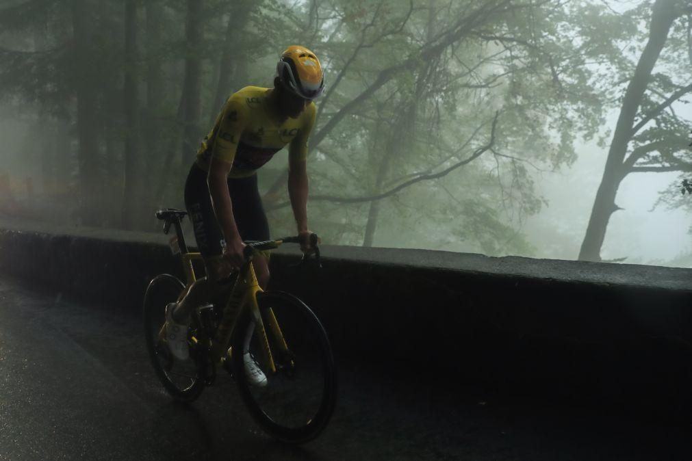 Tour: Van der Poel abandona um dia depois de perder a liderança