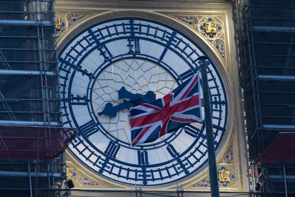 Reino Unido vai endurecer penas para migrantes ilegais no Canal da Mancha