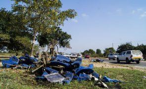 Ainda há sangue no asfalto da principal estrada moçambicana após o pior acidente de sempre