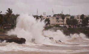Cuba evacua 70 mil pessoas na sequência da tempestade Elsa