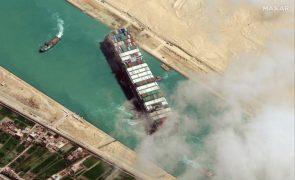 Navio que bloqueou Canal do Suez será libertado na quarta-feira - oficial