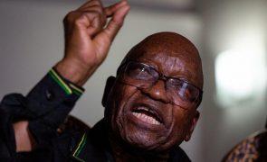 Antigo Presidente da África do Sul diz que não irá apresentar-se para ser preso