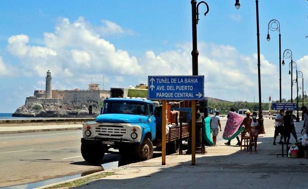 Tempestade Elsa leva a que 180 mil pessoas deixem as habitações em Cuba