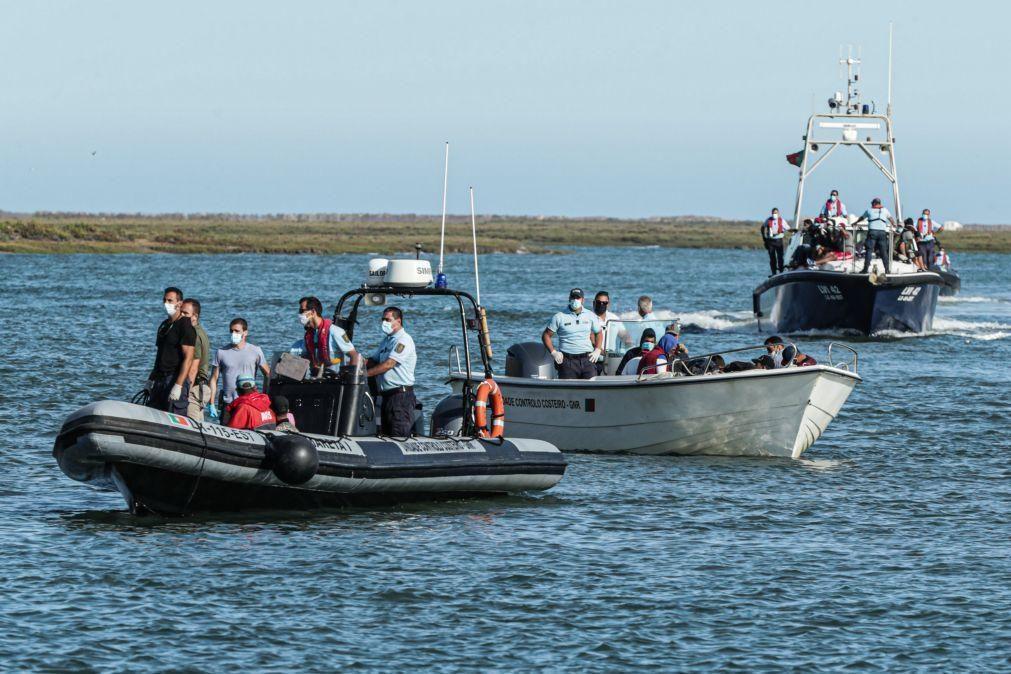 Migrações: Vinte e um corpos encontrados ao largo de Sfax