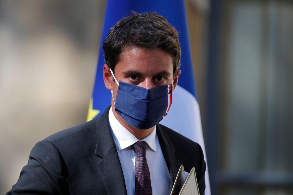 Covid-19: Quarta vaga no fim de julho em França