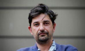Transição no Teatro D. Maria será tranquila, calorosa e competente, diz Tiago Rodrigues