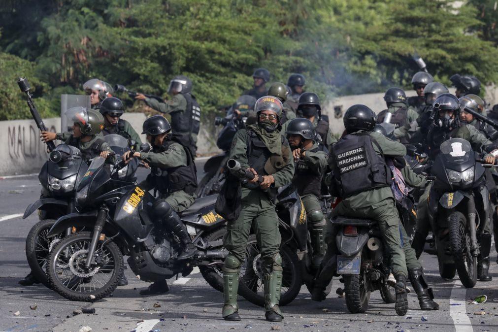 População bloquea ruas de várias cidades na Venezuela em protesto contra a Assembleia Constituinte
